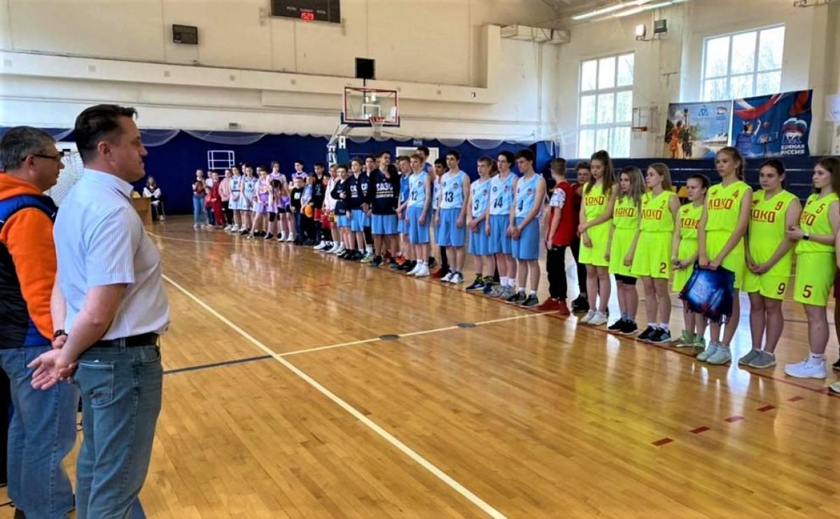 Под Смоленском состоялся посвященный Дню Победы турнир по баскетболу