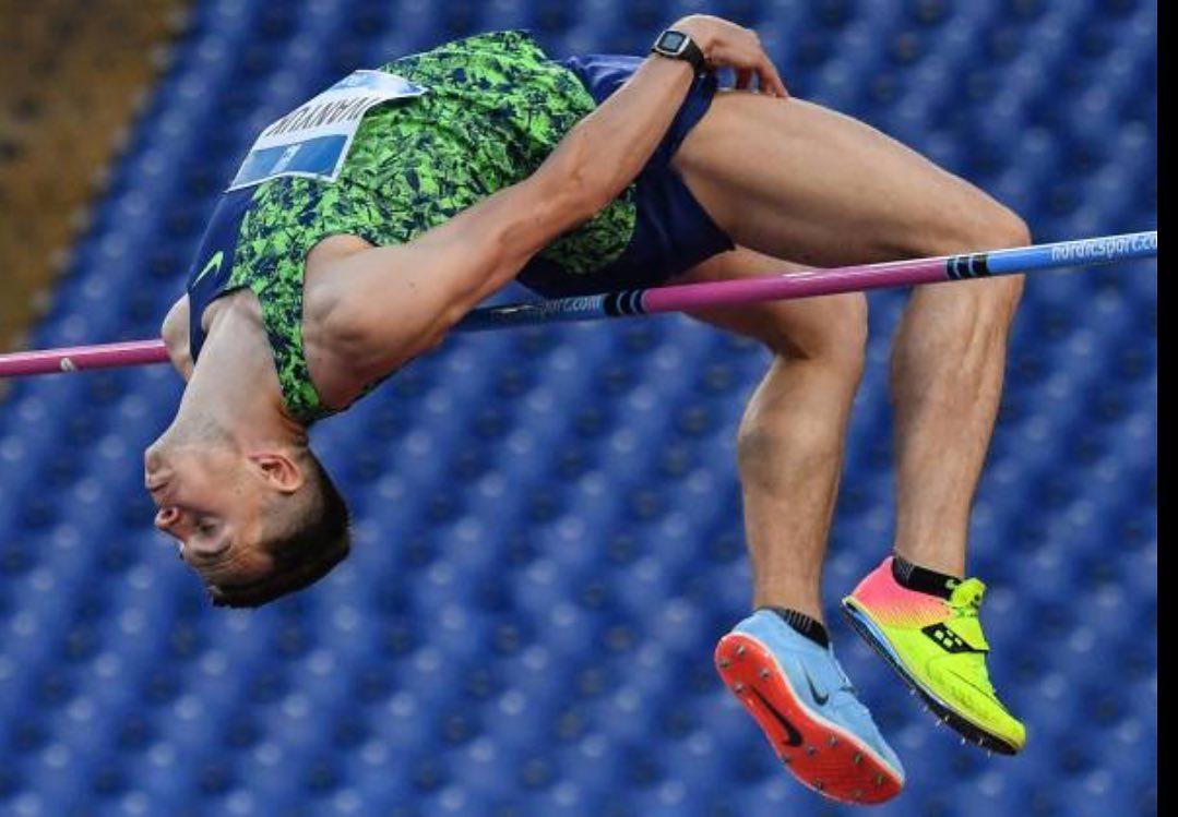 Смоленский легкоатлет Илья Иванюк превзошел лучший результат сезона в мире