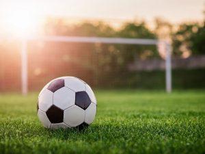 Смоленские студенты обыграли питерских футболистов