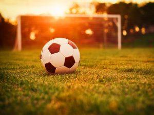 Смоленские студенты обыграли команду уральских футболистов