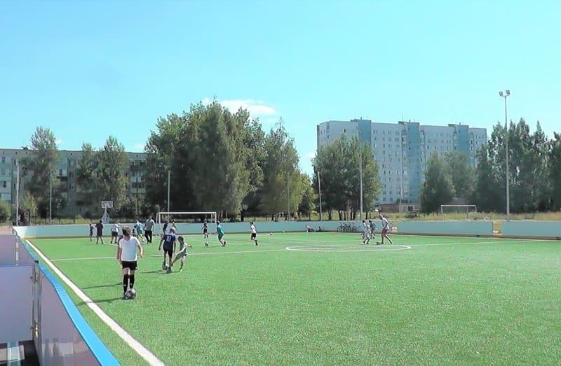 В Вязьме продолжается реконструкция спортивного стадиона «Локомотив»