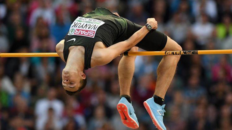 Смоленский легкоатлет Илья Иванюк стал серебряным призером Чемпионата России