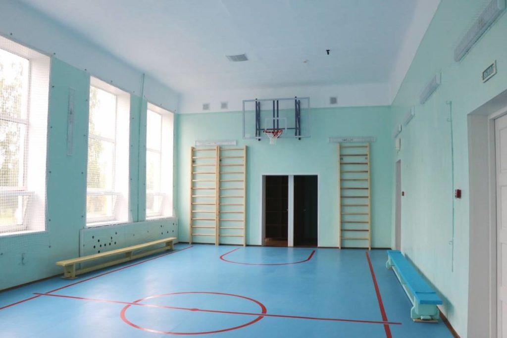Cпортзал школы в Ярцеве отремонтировали за счёт федеральных средств