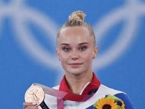 Алексей Островский поздравил смоленских студентов с блестящим выступлением на Олимпиаде