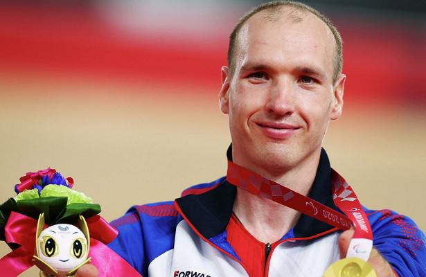 На церемонии награждения паралимпийского чемпиона Асташова перепутали музыку