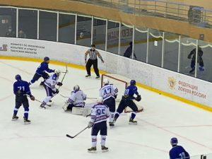 Смоленские хоккеисты стартовали в первенстве ЮХЛ