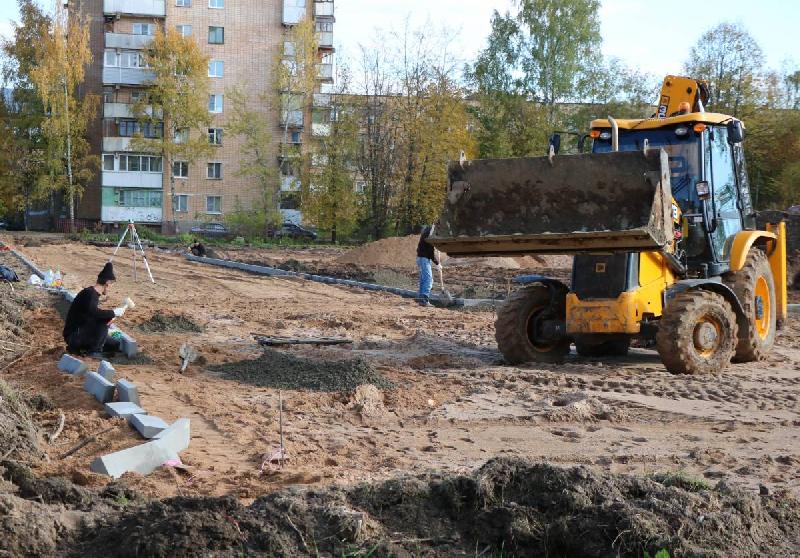ФОК открытого типа в Гагарине. Когда рытвины и грязь превратятся в современную спортивную площадку?