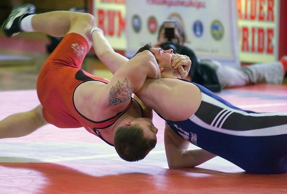 В Смоленске стартовали всероссийские соревнования по вольной борьбе